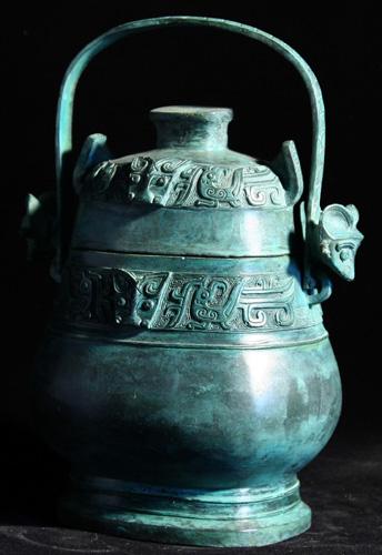 名称;青铜器-青铜提梁卣编号;KTQ-050尺寸;L15 W12 H25cm...